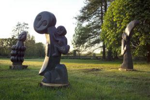 Africké sochy v Dendrologické zahradě