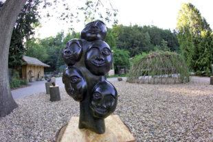 Africké sochy v ZOO Jihlava
