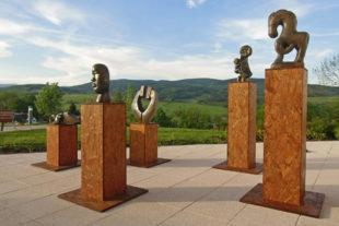 Kamenné sochy na prodej do zahrady, bytu či interiéru