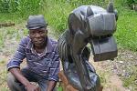 Sochař Wilfred Tembo