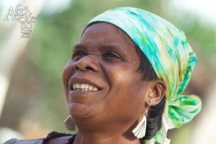 Maudy Muhoni sochařka ze Zimbabwe