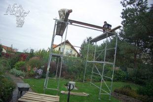 Jak instalovat sochu - pojezdová kolejnice a kladkostroj