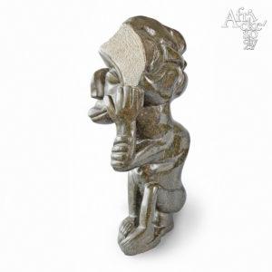 Kamenné sochy na prodej do zahrady, bytu či interiéru - socha muže