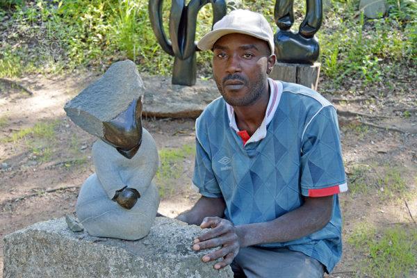 Sculptor Musekiwa Chifamba