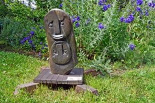 Kamenné sochy v ZOO Dvůr Králové