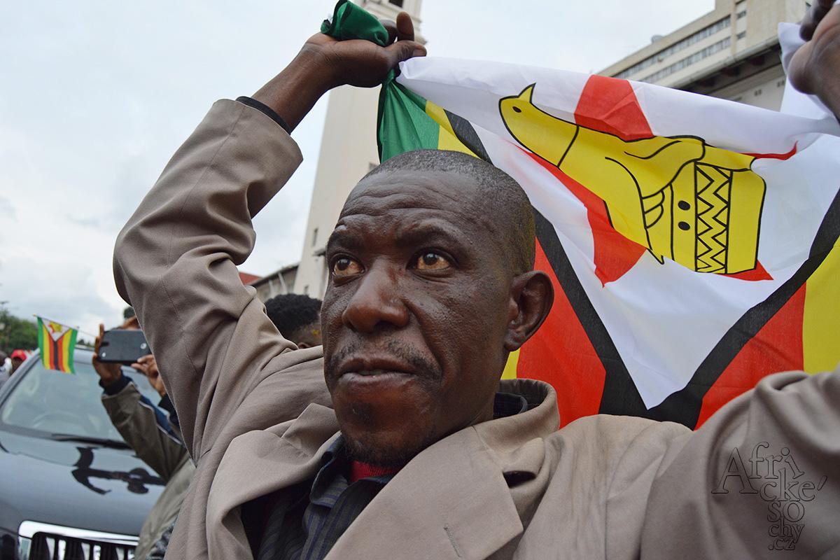 Pád prezidenta Mugabeho v Zimbabwe
