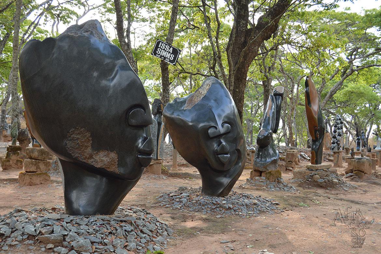 Tengenenge - sochařská galerie pod širým nebem
