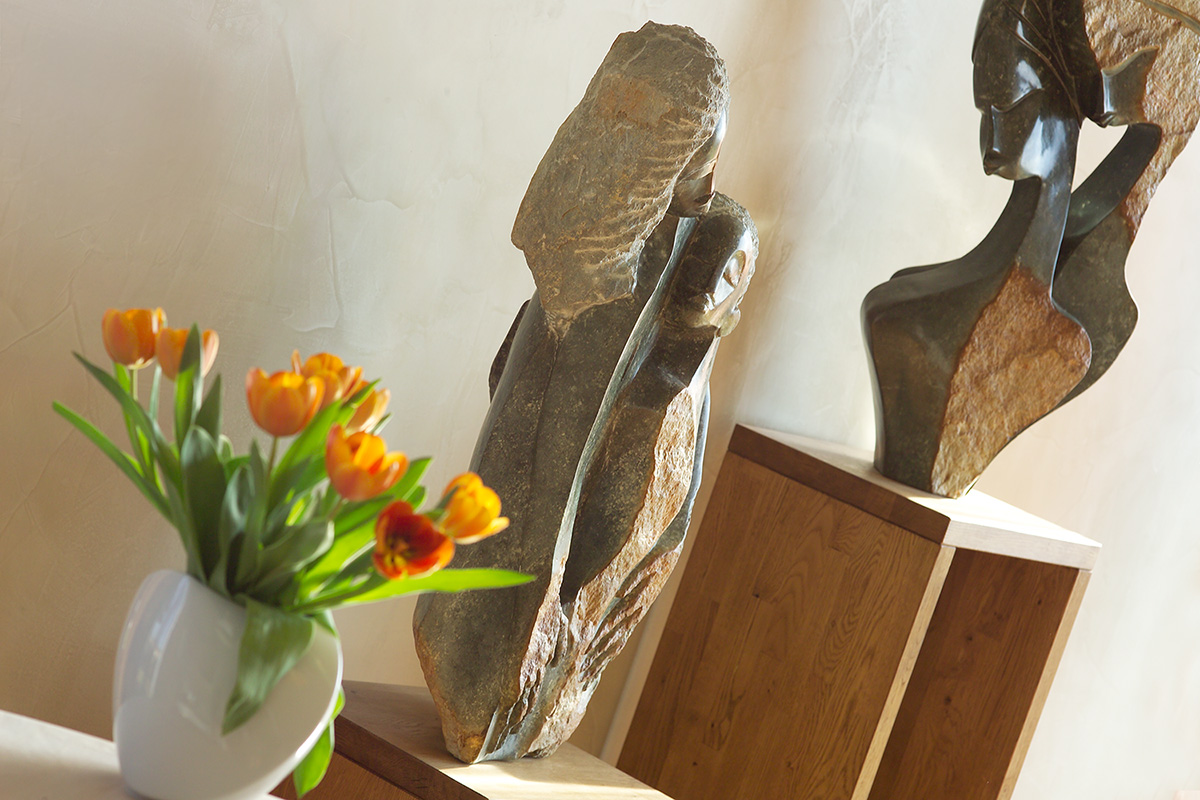 Statues for interior, sculptures for the apartment - Tafunga a Lovemore Bonjisi