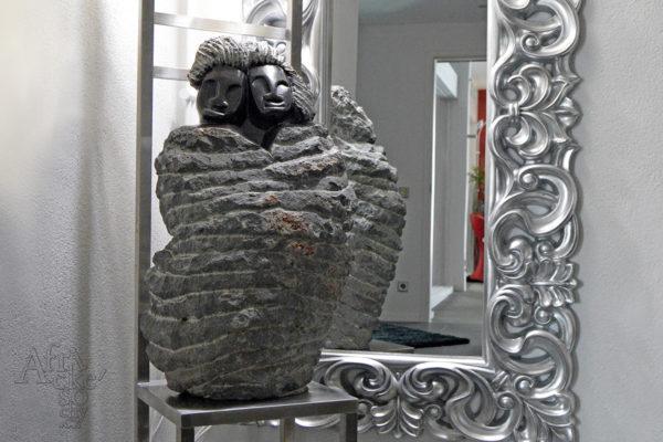 Článek o sochách v časopisu Villa journal