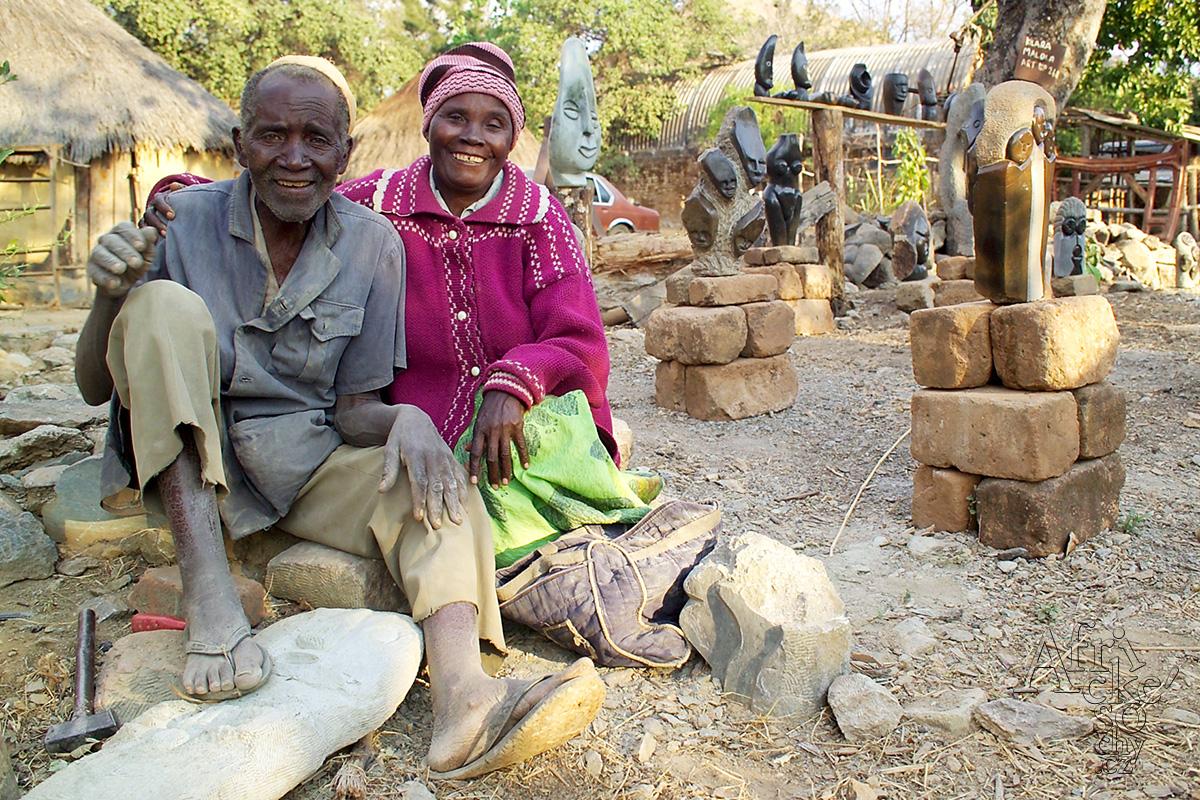 Sochařství Zimbabwe -Kilala Malola a Amali Malola