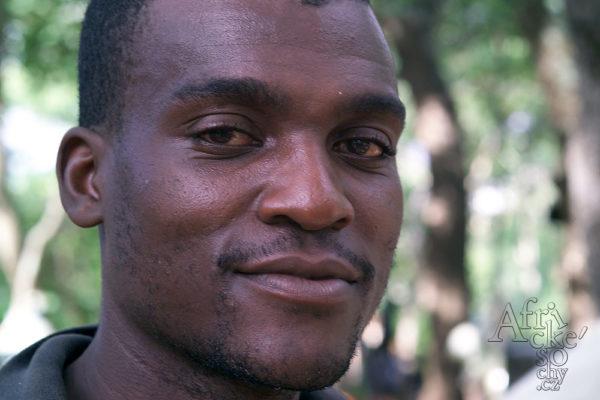 Sochař Augustine Mbilinyu Tengenenge
