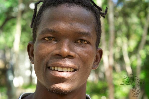 Sochař Farai Kasvinge Tengenenge