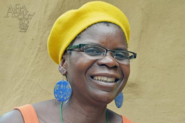 Sochařka Maudy Muhoni Tengenenge