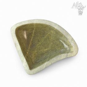 Philip Kombarago: socha Miska v zeleném kameni