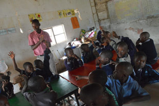 Děti v Tengenenge Farm School