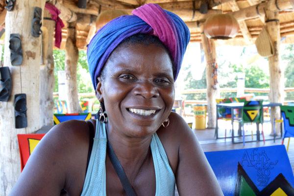 Maudy Muhoni - sochařka ze Zimbabwe