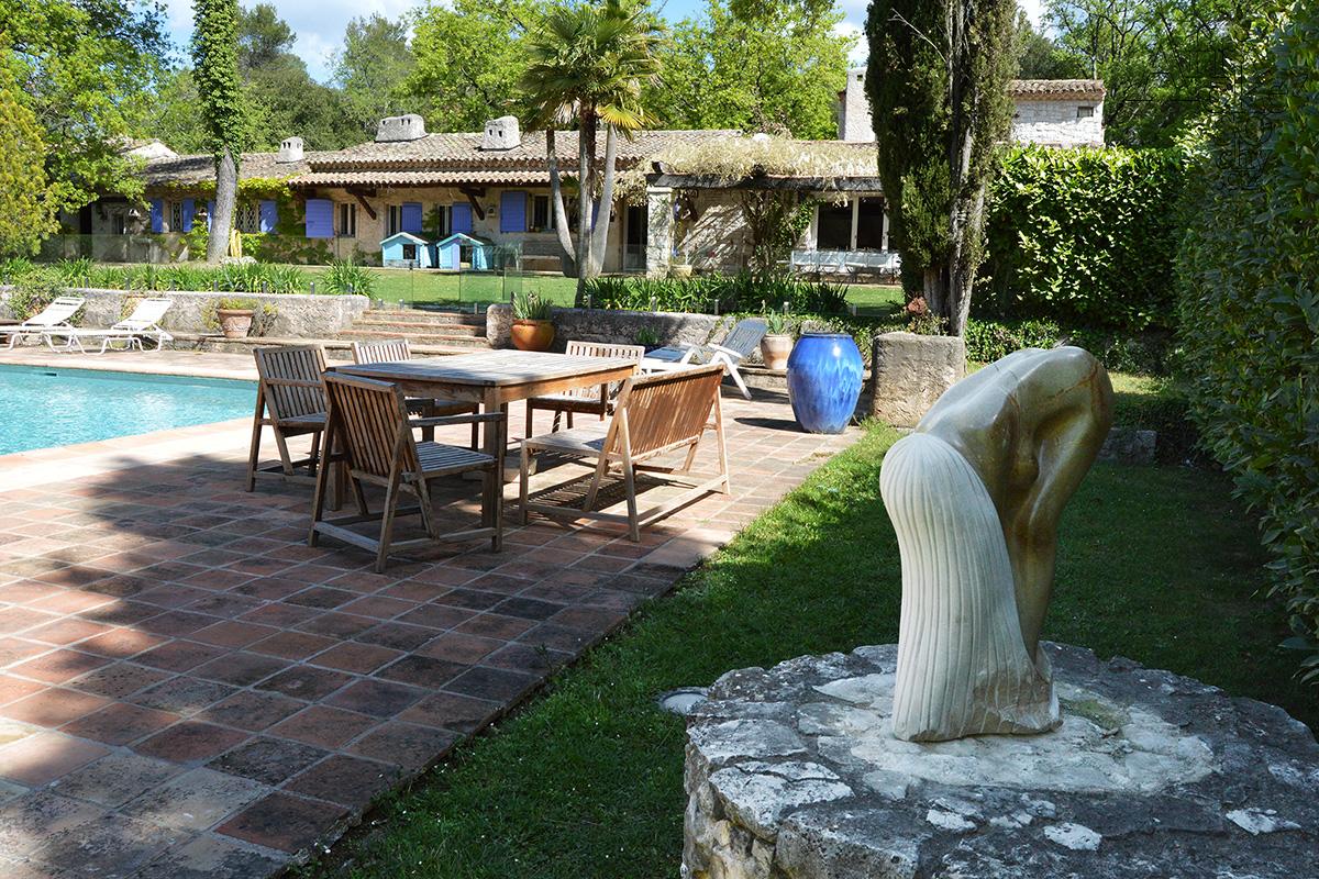 Zahradní sochy a zahradní doplňky