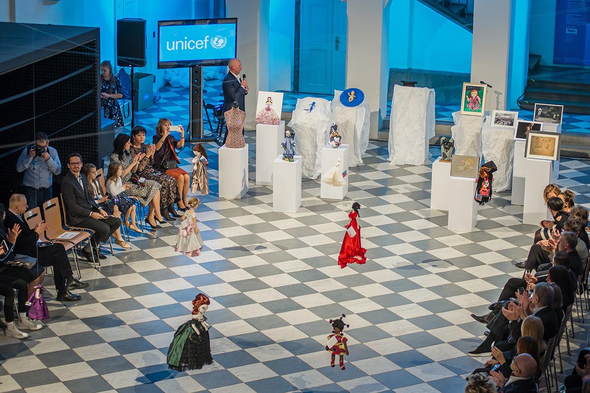 Panenka pro UNICEF AfrickeSochy foto Stanislav Hemrle