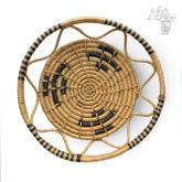 Ručně pletená miska s hnědým vzorem