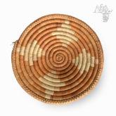 Ručně pletená ošatka s béžovým vzorem