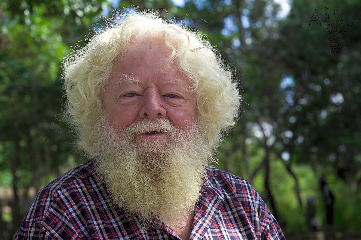 Tom Blomefield - zakladatel sochařské komunity Tengenenge