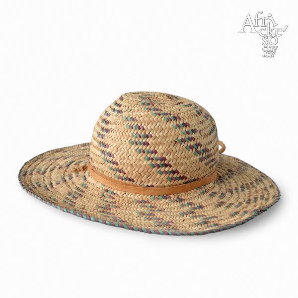 Dívčí klobouček ručně pletený z trávy