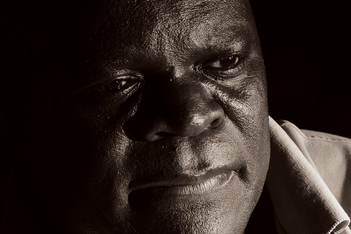 Lazarus Takawira - sochař ze Zimbabwe