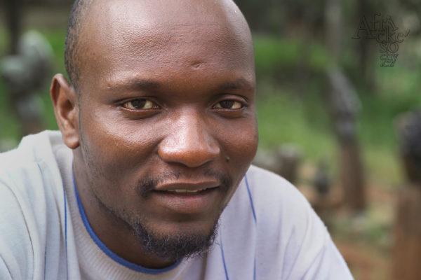 Sochař Cemet Chakawa - Tengenenge 2007