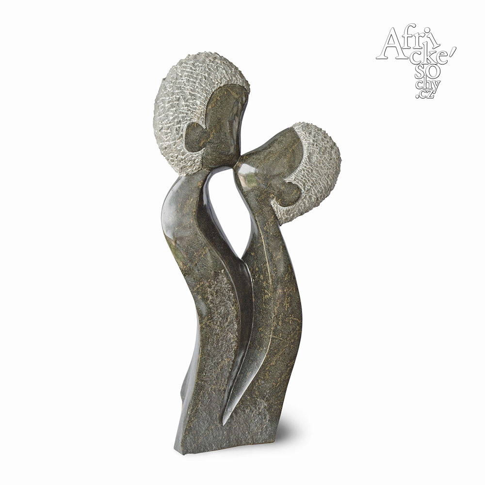 Cosmas Chingondi: socha Polibek | Kamenné sochy na prodej