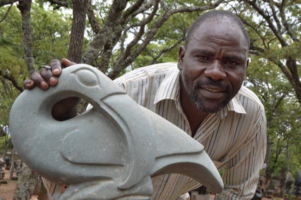 Sochař Robert Murengwa - Tengenenge 2020