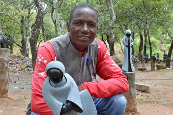 Sochař Cosmas Chifamba - Tengenenge 2020