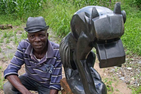 Sochař Wilfred Tembo - Tengenenge 2014